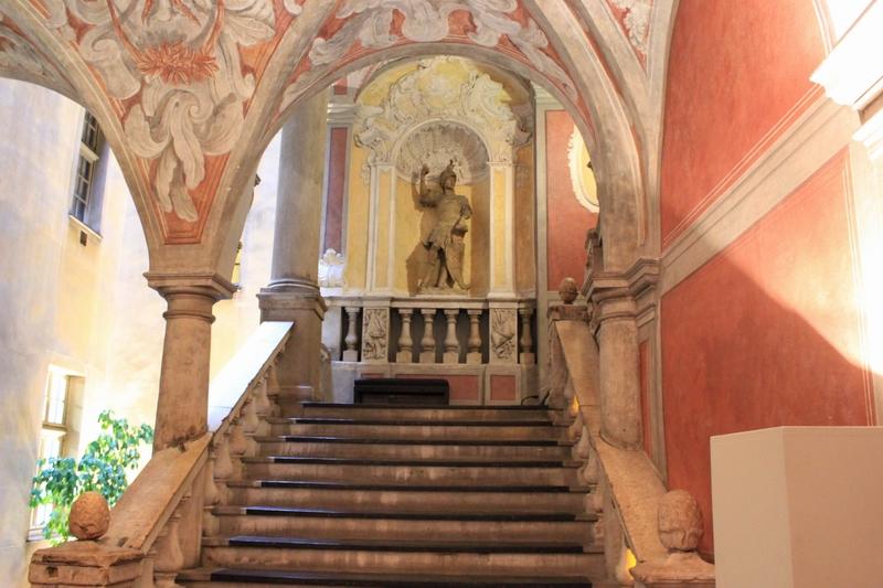 entrée du Palais Lascaris de Nice musée instrumental