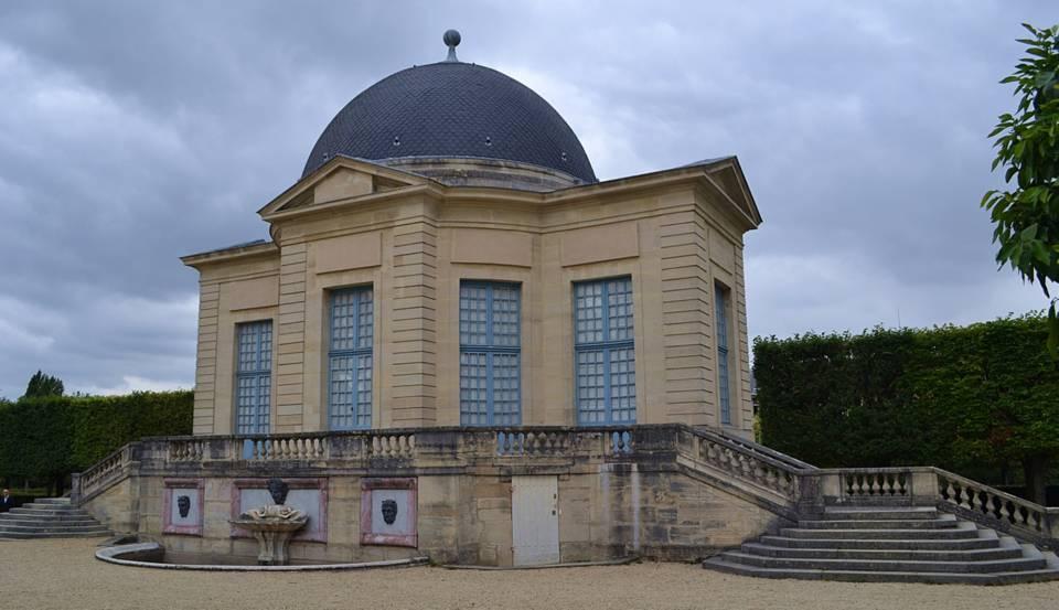"""le Pavillon de l'Aurore chez le Duc et la Duchesse du Maine où se déroulaient les """"grandes nuits de Sceaux"""